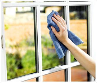 servicii-curatat-geamuri-iasi